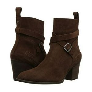 Hunter Refined Strap Ankle Boots